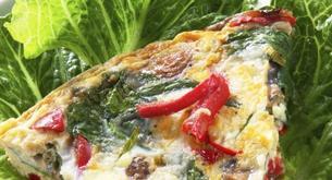 Receta para niños: tortilla de espinacas, queso y pimiento
