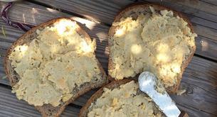 Receta para niños: sandwich de humus con queso