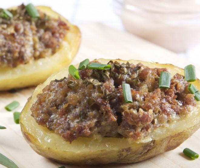 Receta para niños: patatas rellenas de carne y queso