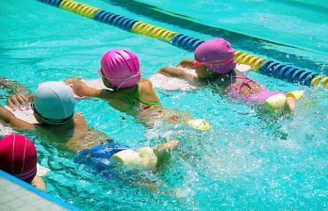 Ejercicios para niños: ejercicios de iniciación para aprender a nadar