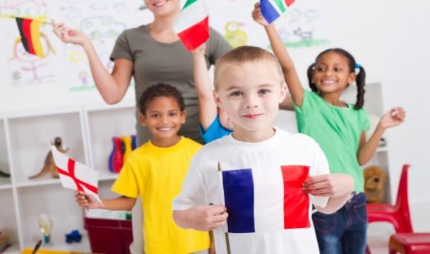 ¿Cuál es la mejor edad para que los niños aprendan idiomas?