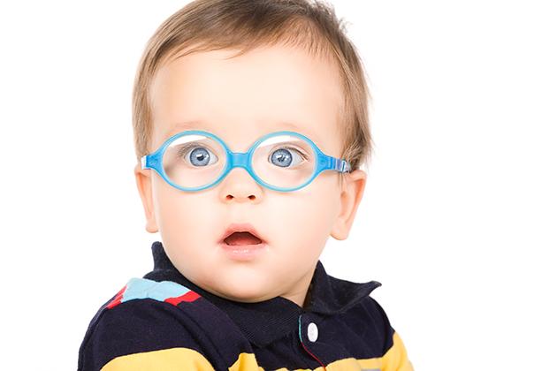 El cuidado de niños con problemas de visión