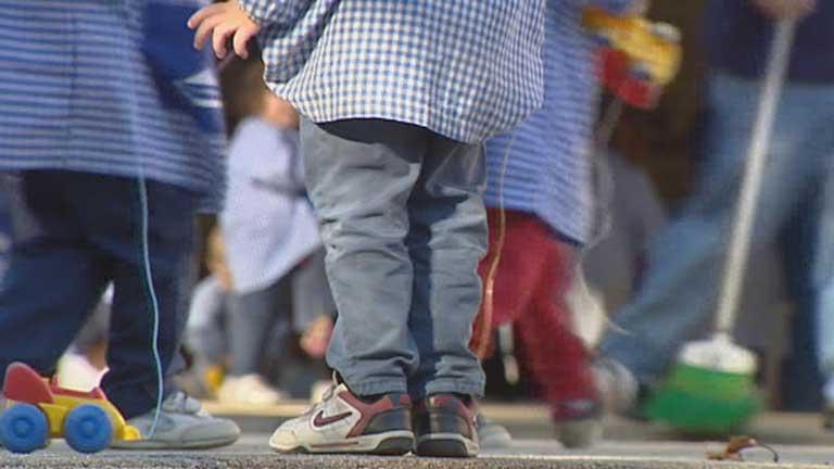 El cuidado de niños en orfanatos o centros de acogida