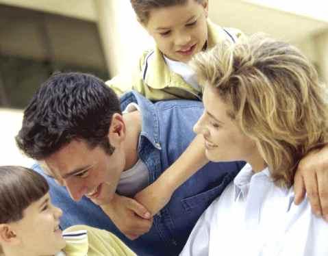 El cuidado de los niños: el papel de las tías y los tíos en la familia