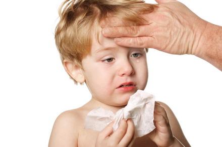 El cuidado de niños con gripe