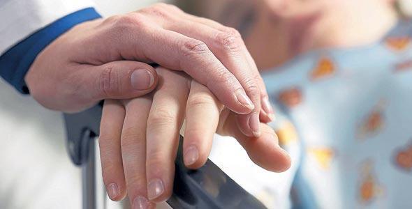 El cuidado de niños con enfermedades terminales