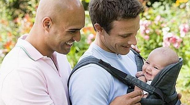 El cuidado de los niños en parejas de hombres gays