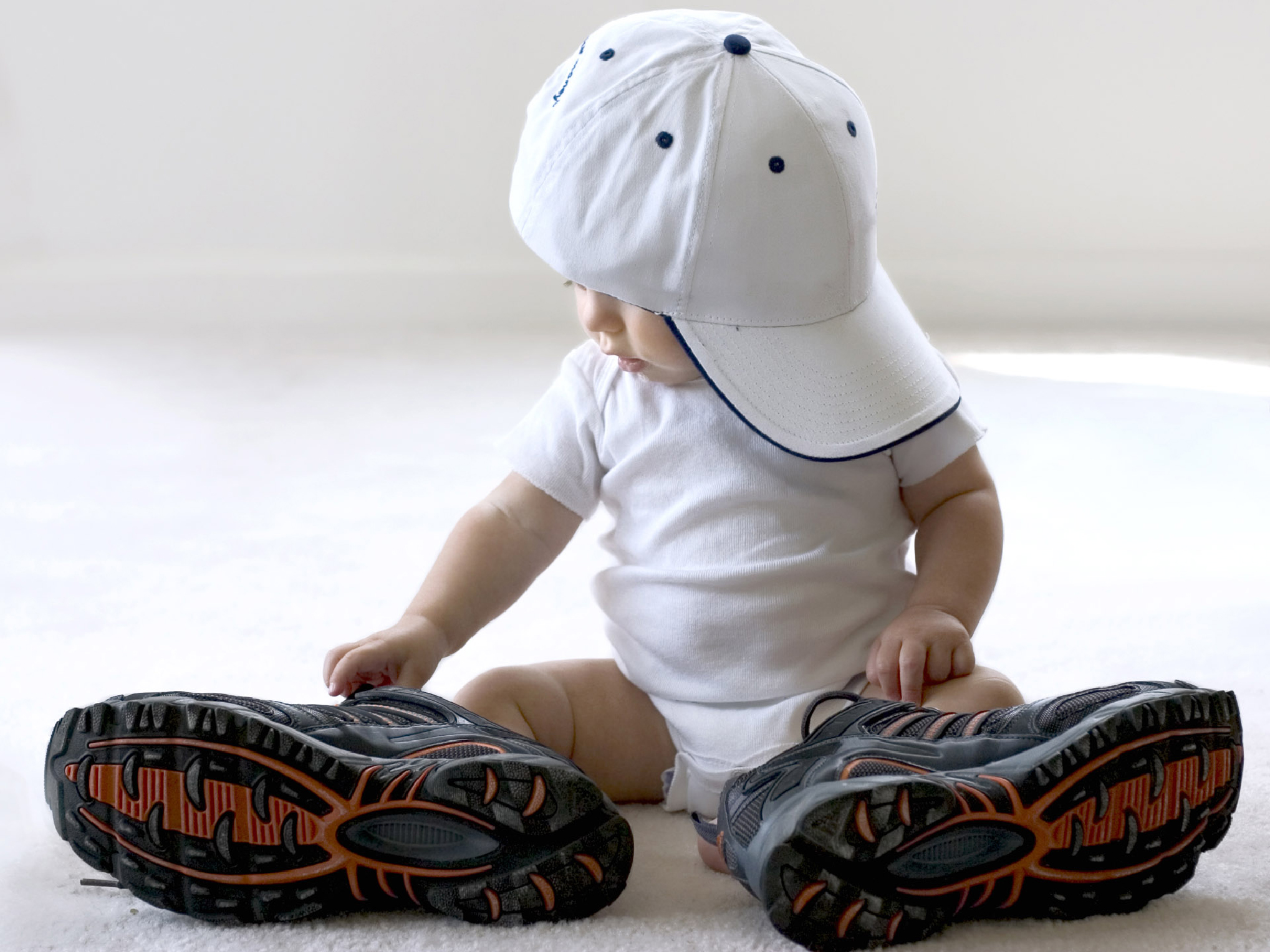 Calzado para niños: consecuencias de comprarles zapatos grandes