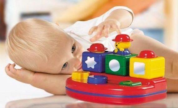 Los juguetes para niños más estimulantes según su edad