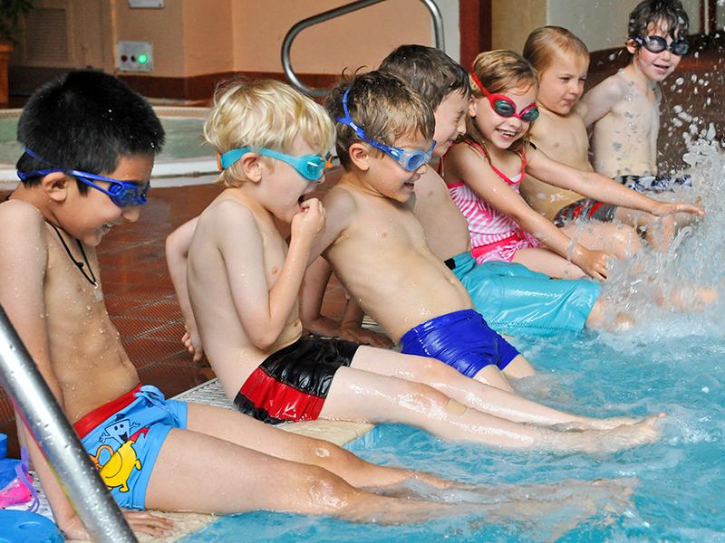 Gimnasia y natación para niños