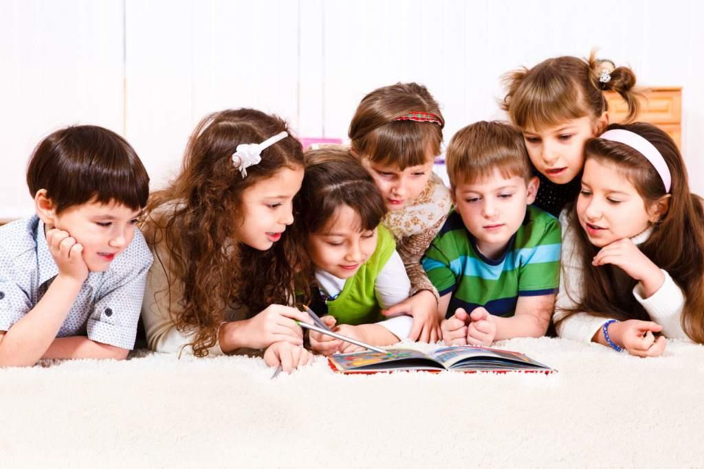 Por qué leer cuentos a tus hijos