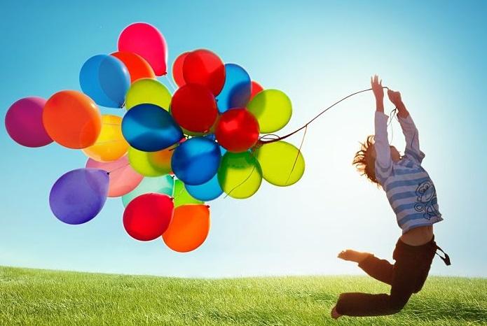 Resultado de imagen para niños con globos foto