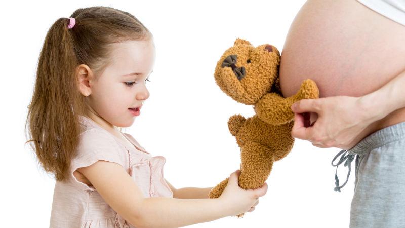 Consejos: cómo tratar la llegada de un hermanito