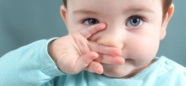 Cómo quitar los mocos a un bebé