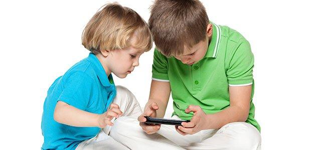 Por qué prohibir el uso de los smartphones a tus hijos