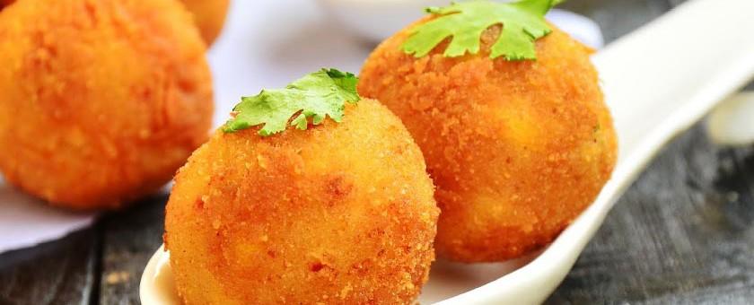 Recetas para niños: albóndigas de patata rellenas de queso